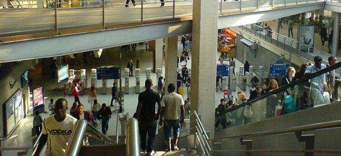 Escaliers mécaniques à Gare du Nord